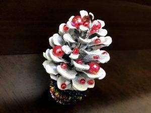 松ぼっくりクリスマスツリー2