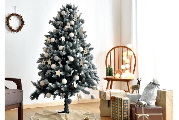 タンスのげんクリスマスツリー